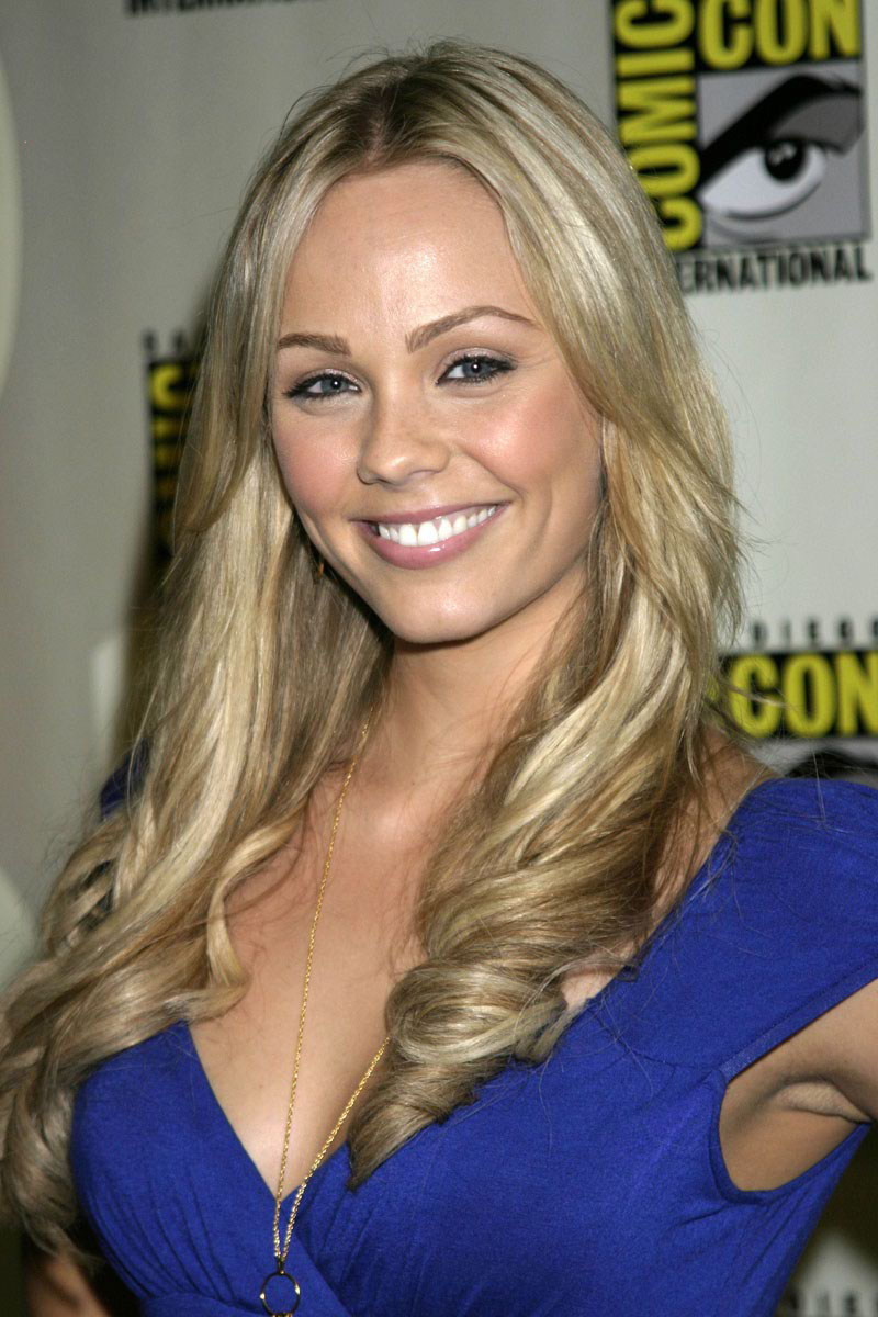 Laura vandervoort latest hd wallpapers hd wallpapers high definition free background - Laura nue ...