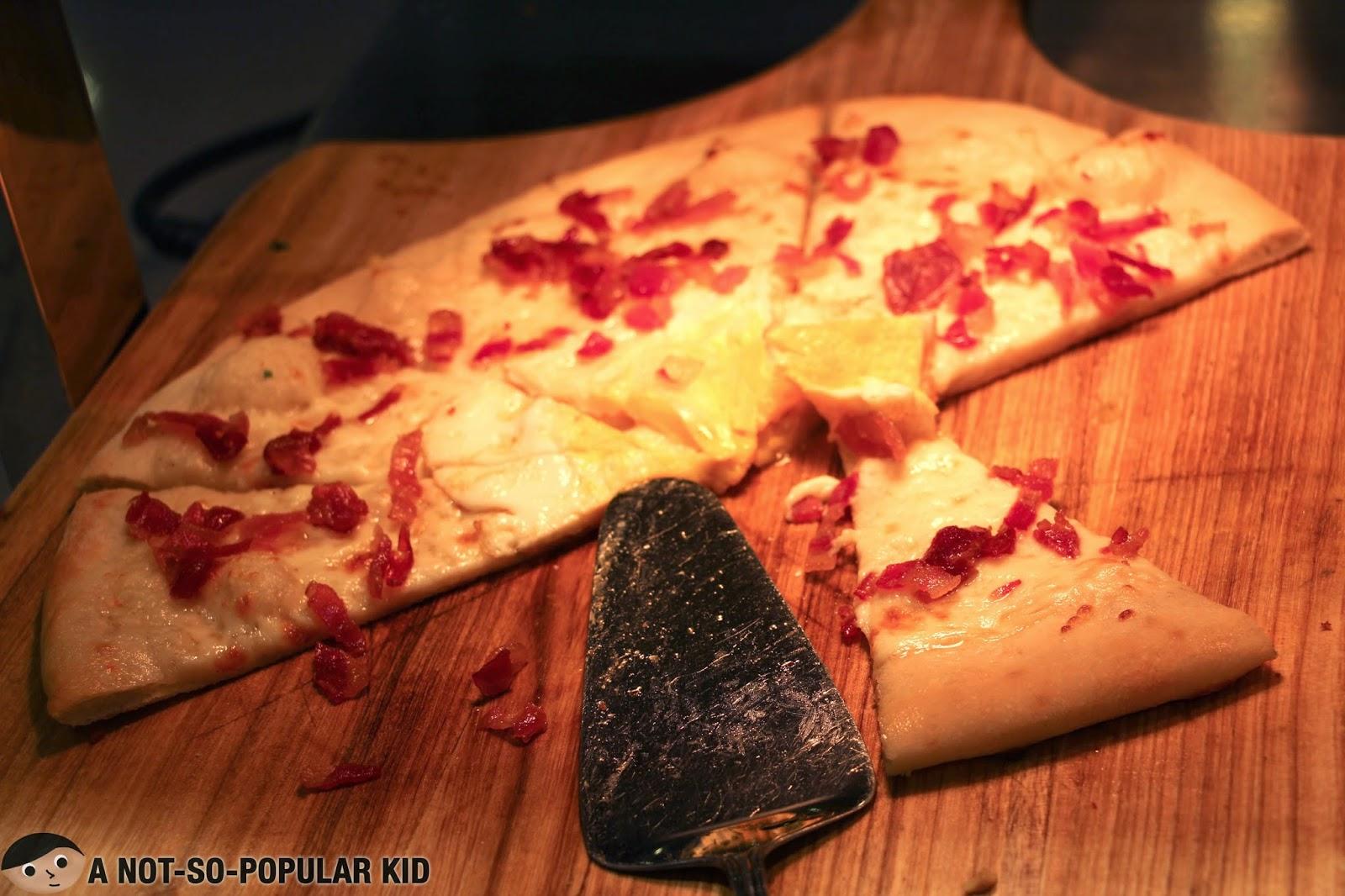 Carbonara Pizza in Vikings