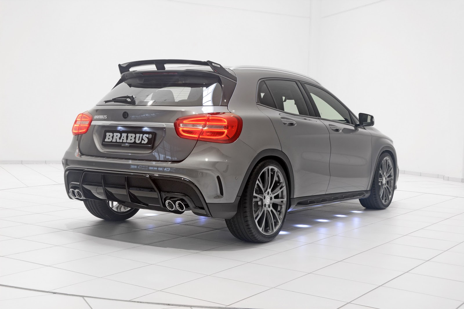 400ps brabus mercedes gla 45 amg is our kind of small suv. Black Bedroom Furniture Sets. Home Design Ideas