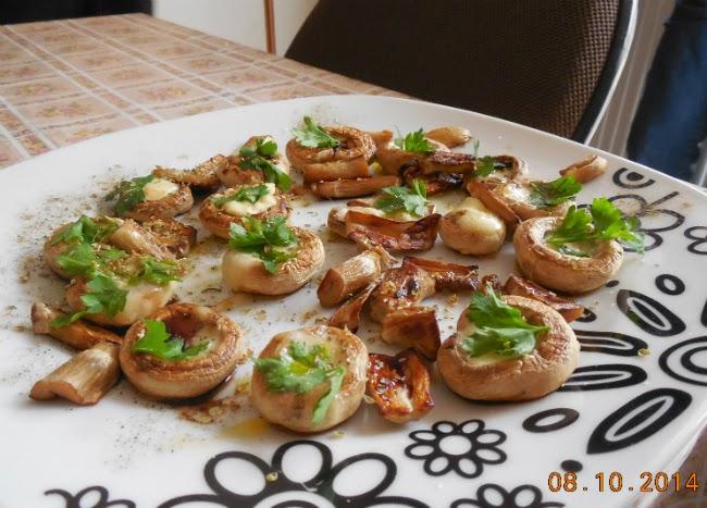 ciuperci fripte umplute cu branza