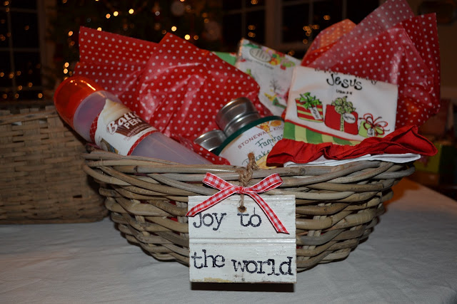 Three pixie lane gift ideas for christmas for Christmas kitchen gift basket ideas