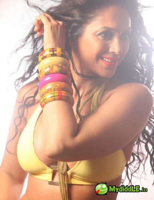 Kalpana pandit hot bikini bra photoshoot