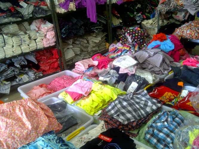 Pusat Grosir Distributor Baju Surabaya