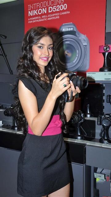 Navneet Kaur Dhillon Latest Sexy Pics 2013