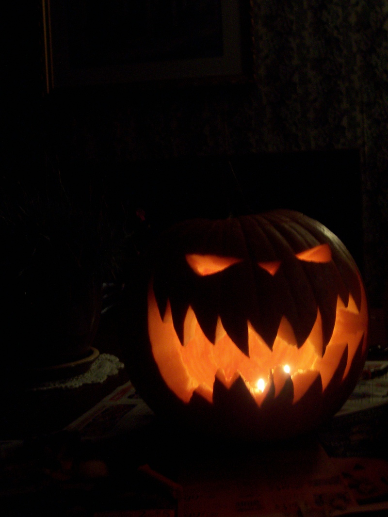 simple scary pumpkin carvings the image