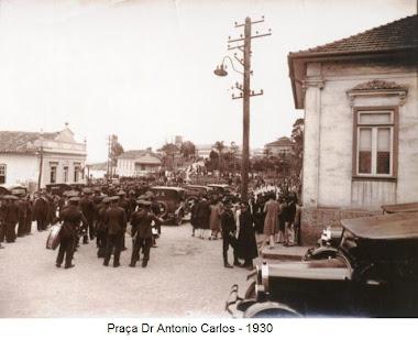 PRACA ANTONIO CARLOS EM 1930 ESQUINA CASA DO TOBIAS