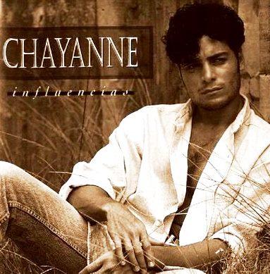 Foto de Chayanne mas joven y con el cabello mas ondulado