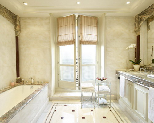 selecting the perfect luxury bathroom suites for homeowner with