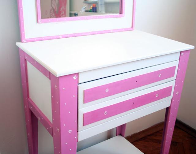 ahşap makyaj masası boyama
