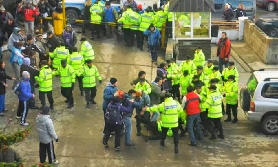 17 docentes exonerados por toma Casa Gobierno