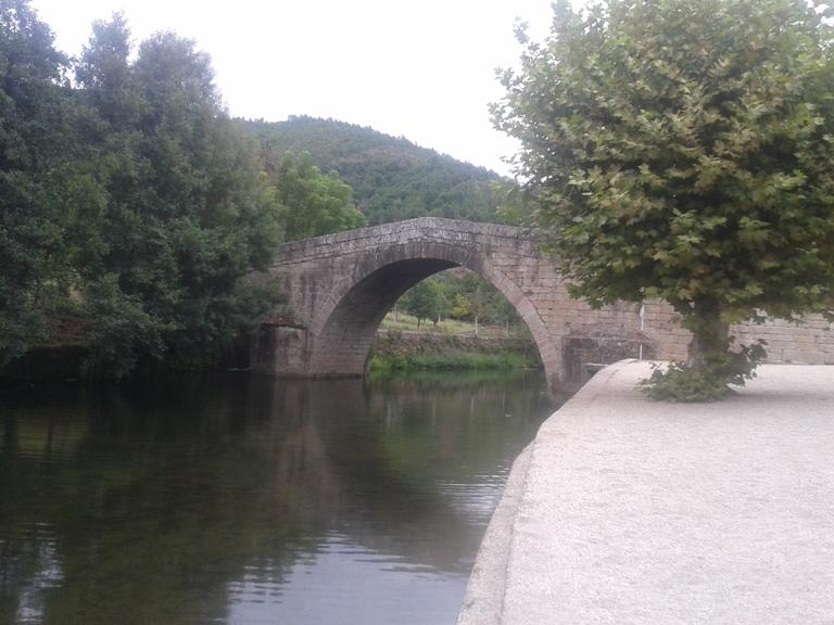 Ponte Romana de Vila Cova à Coelheira, Seia. Ponte sobre o rio Alva datada do século XVII