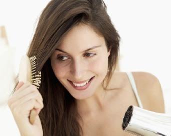4 Cara Perawatan Alami Mengurangi Rambut Rontok