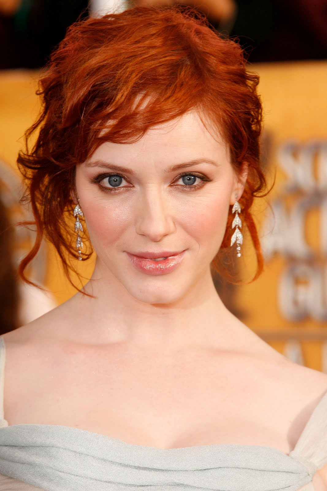 http://3.bp.blogspot.com/-qFPoUni1qro/T0PfzrzD9NI/AAAAAAAABRk/xphdIuXy2VQ/s1600/Christina-Hendricks-Screen-Actors-Guild-Awards-2008-christina-hendricks-8730581-1707-2560.jpg