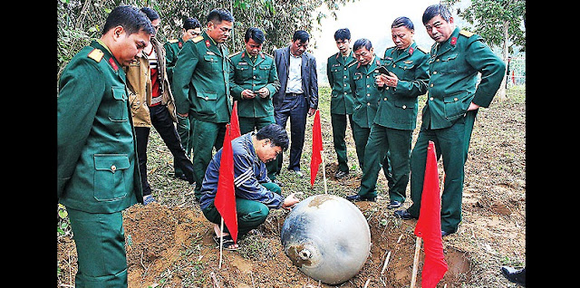 The third and largest of the three metal balls, weighing 35 to 45 kilograms and about the size of an exercise or stability ball, landed near a stream in a maize field in Vietnam's Tuyen Quang province. (VietnamNet Bridge)