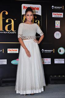 Parul Yadav om sizzling silver gown at IIFA utsavam 2016