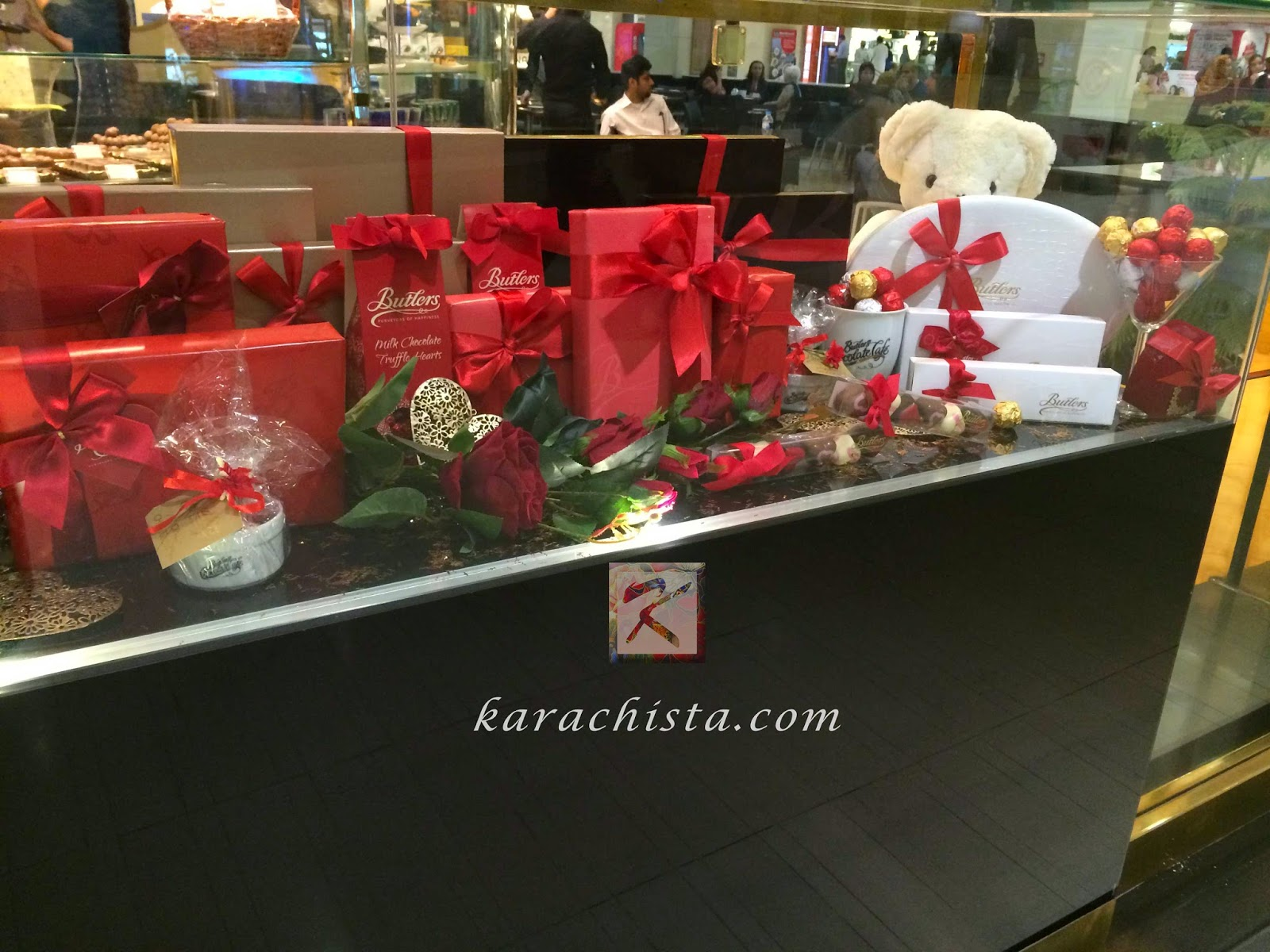 Valentine's gifts for him and her from around Karachi