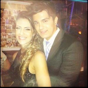 Luan Santana posta foto com namorada: 'Eu e minha gata'