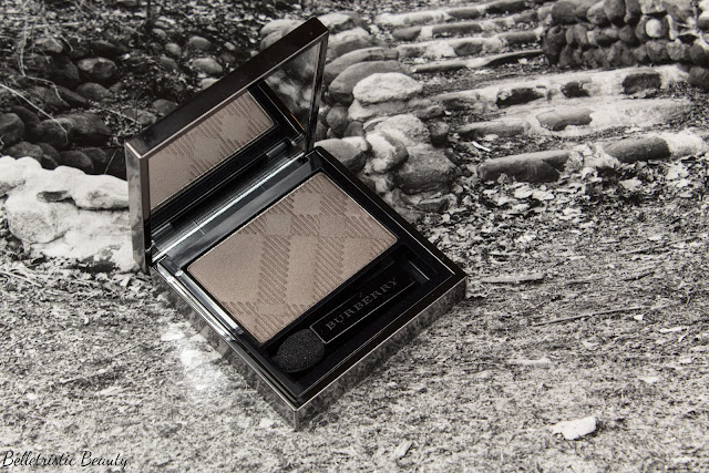 Burberry No. 27 Storm Grey Sheer Eyeshadow Eye Enhancer, Summer 2014 in studio lighting