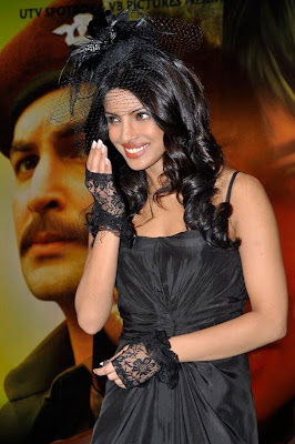 Priyanka Chopra in Black Bride Dress_FilmyFun.blogspot.com