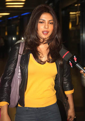 priyanka chopra snapped at airport