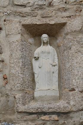 Imagen de Santa Eulalia mirando al este.