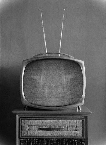 Miren este enlace y opinen-No quieren delincuentes en la tele Tv-antiguo