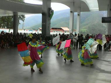Teleférico Mukumbarí de Mérida presenta intensa jornada cultural en vacaciones