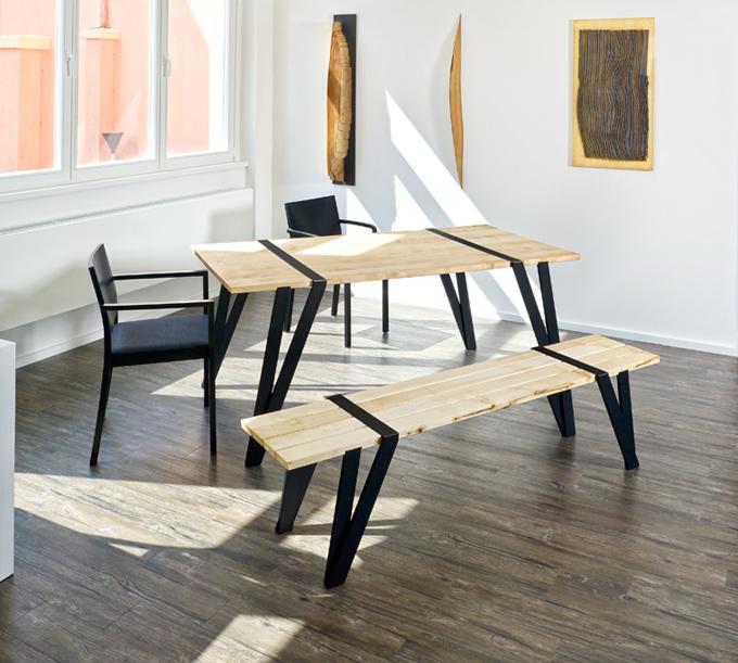 Ilia estudio interiorismo madera y hierro un dise o de for Mesas de estudio de diseno