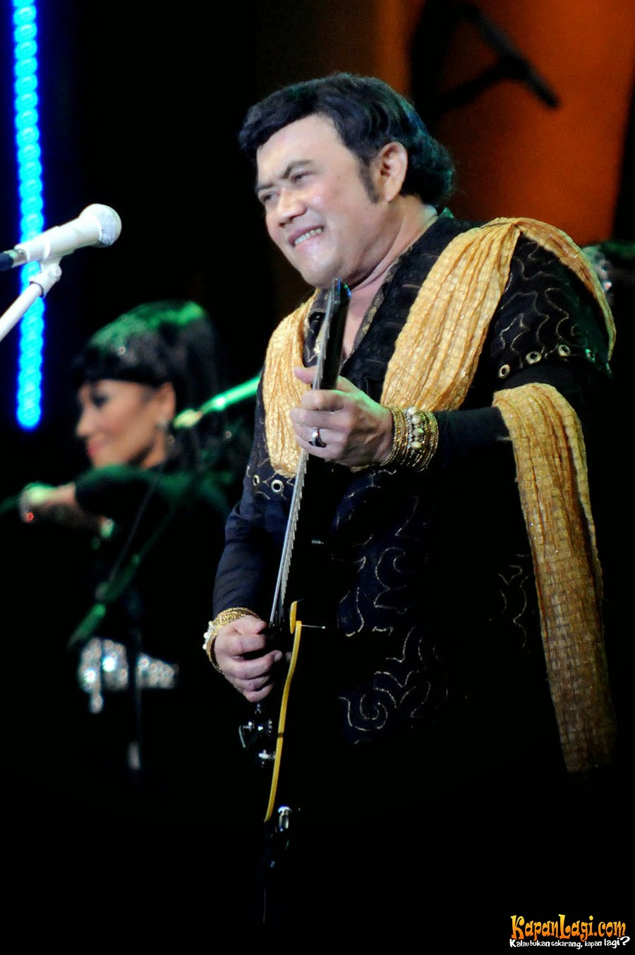 Download Lagu Rhoma Irama – Dunia