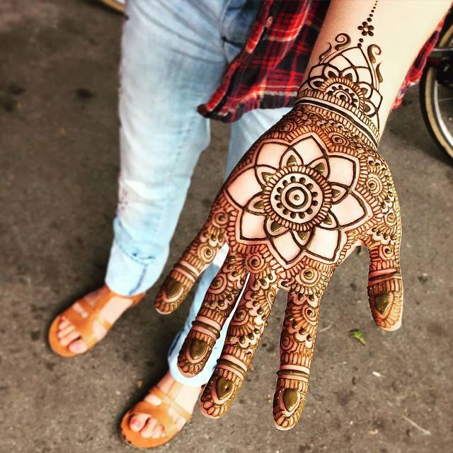 Simple Mehndi For Right Hand : Simple mehndi designs one hand new