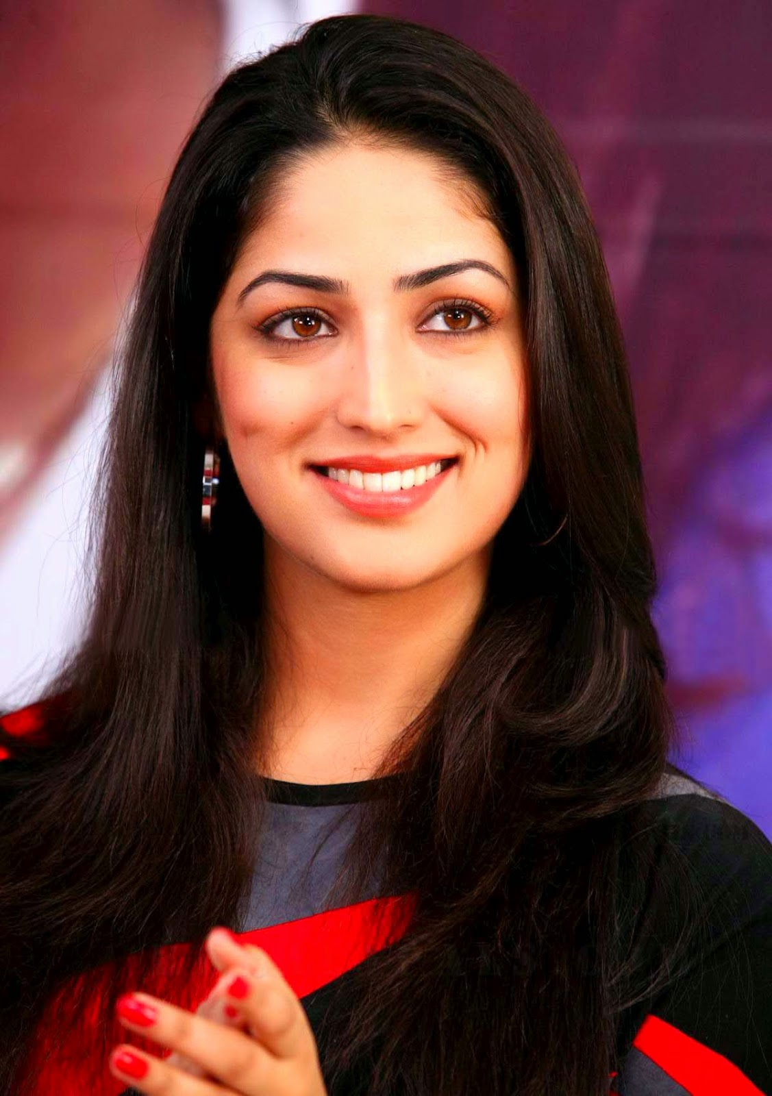 Yami Gautam HD wallpapers Free Download