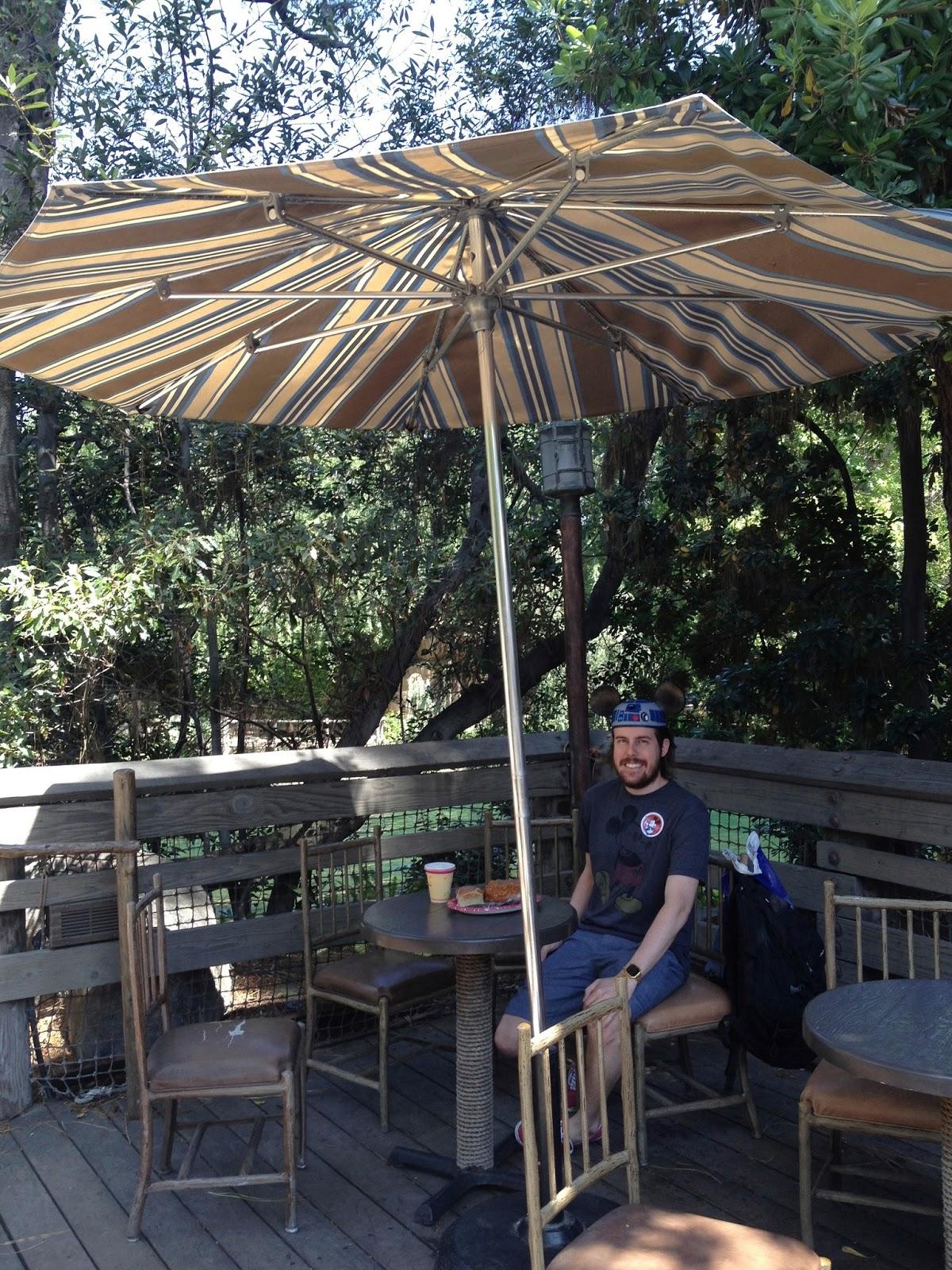 food blog, food blogger, california, where to eat in california, where to eat at disneyland, where to eat at california adventure, disneyland food, disneyland, california adventure, where to eat at california adventure, harbour galley, bread bowl, disney hidden secrets
