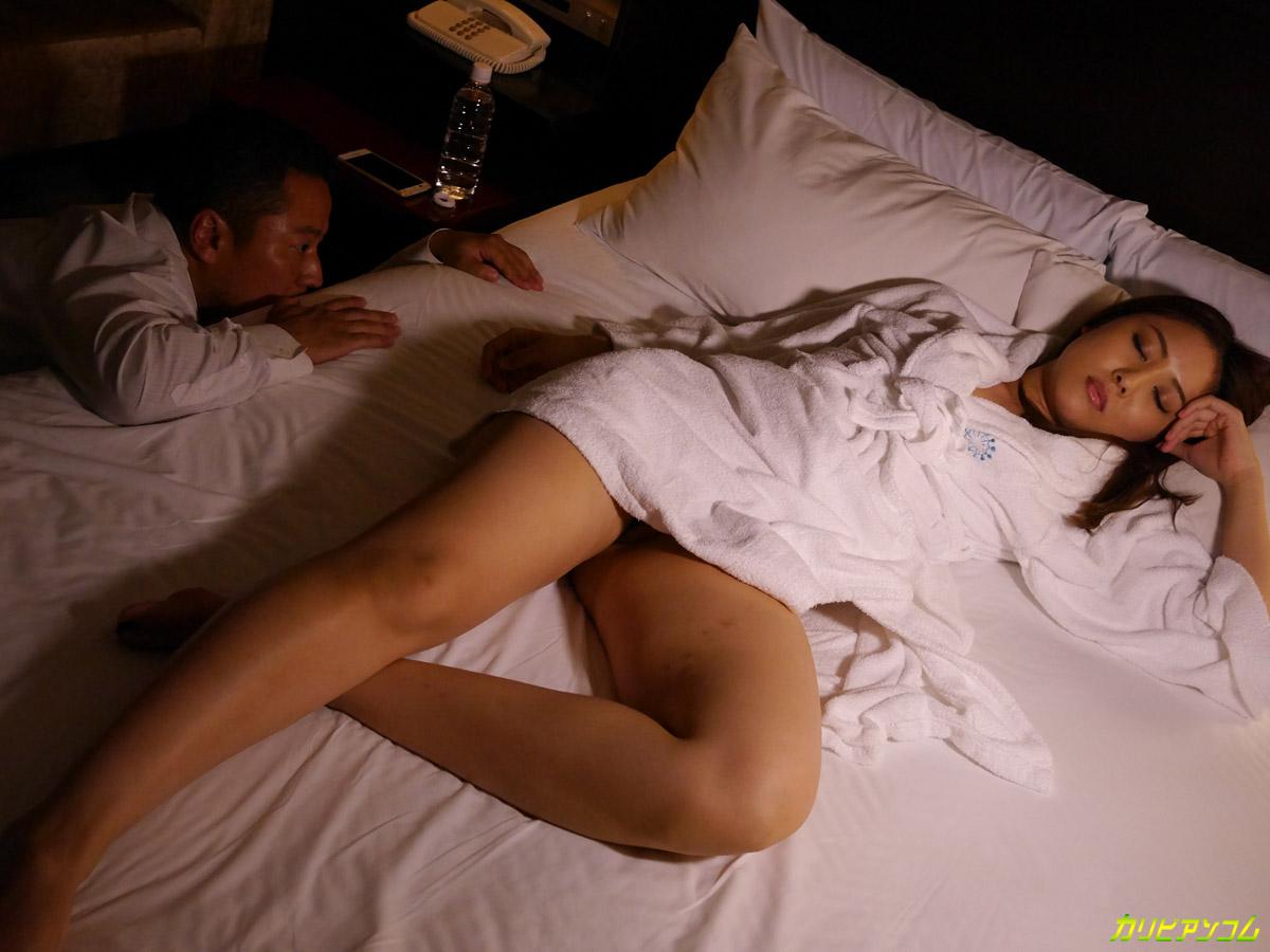 Со спящей японкой 6 фотография
