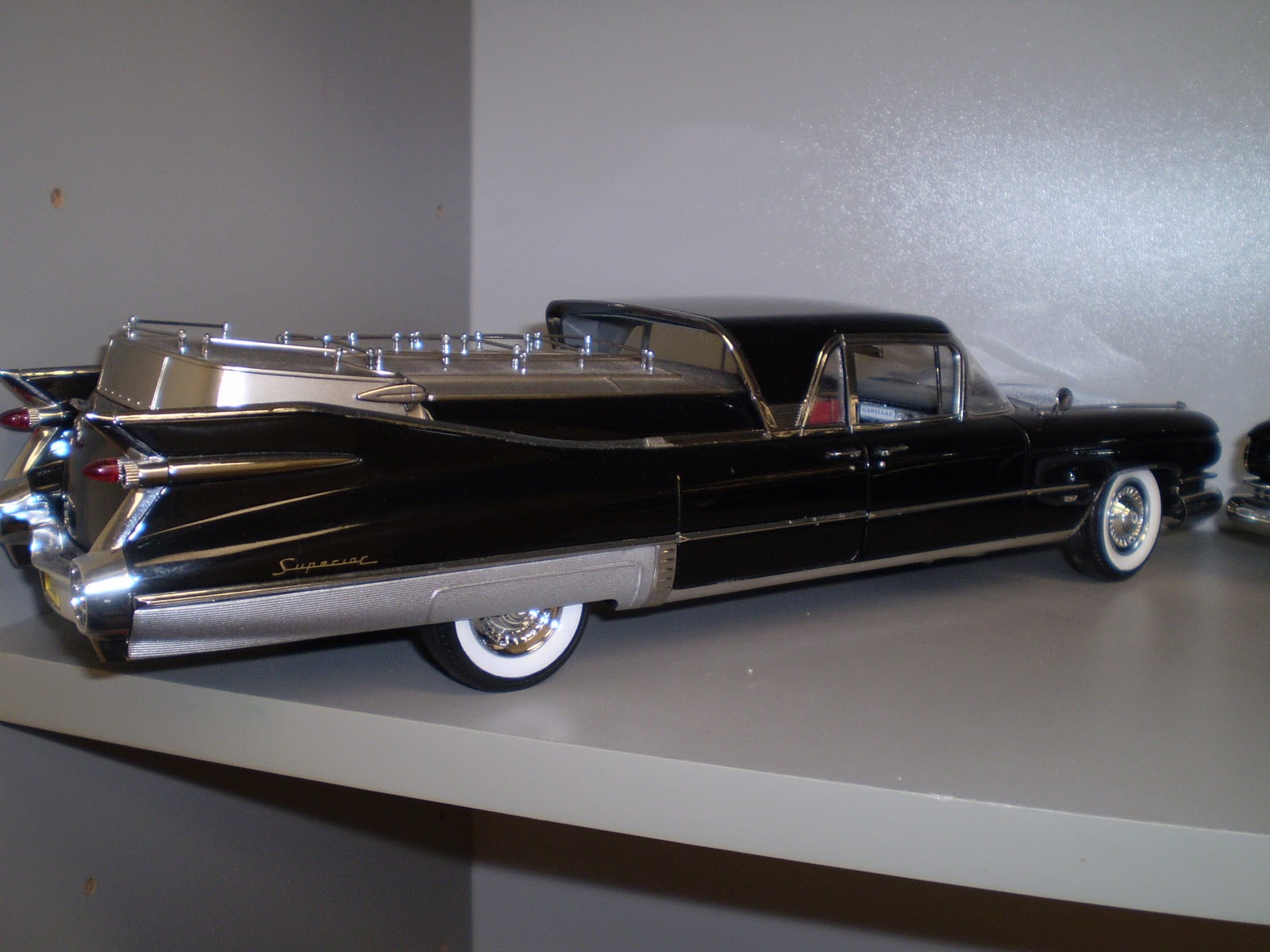 is a 1/18th scale diecast