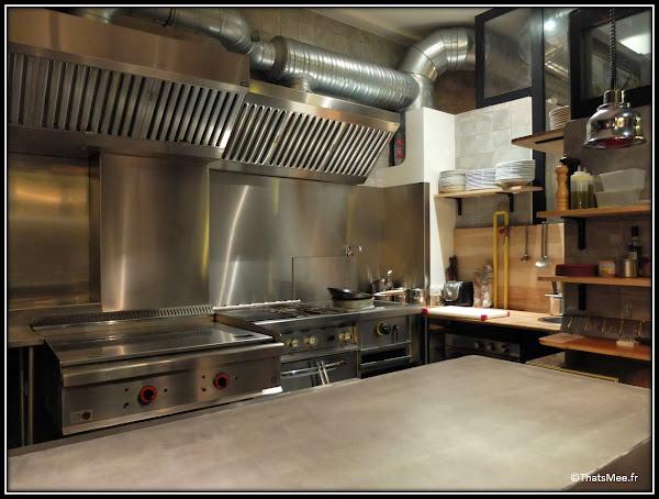 resto Circonstances caractere 174 rue Montmartre Paris cuisine ouverte