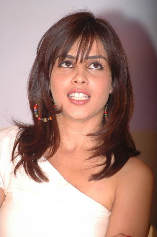 Genelia Dsouza  - Genelia Dsouza Hot Milky Pics from an Event