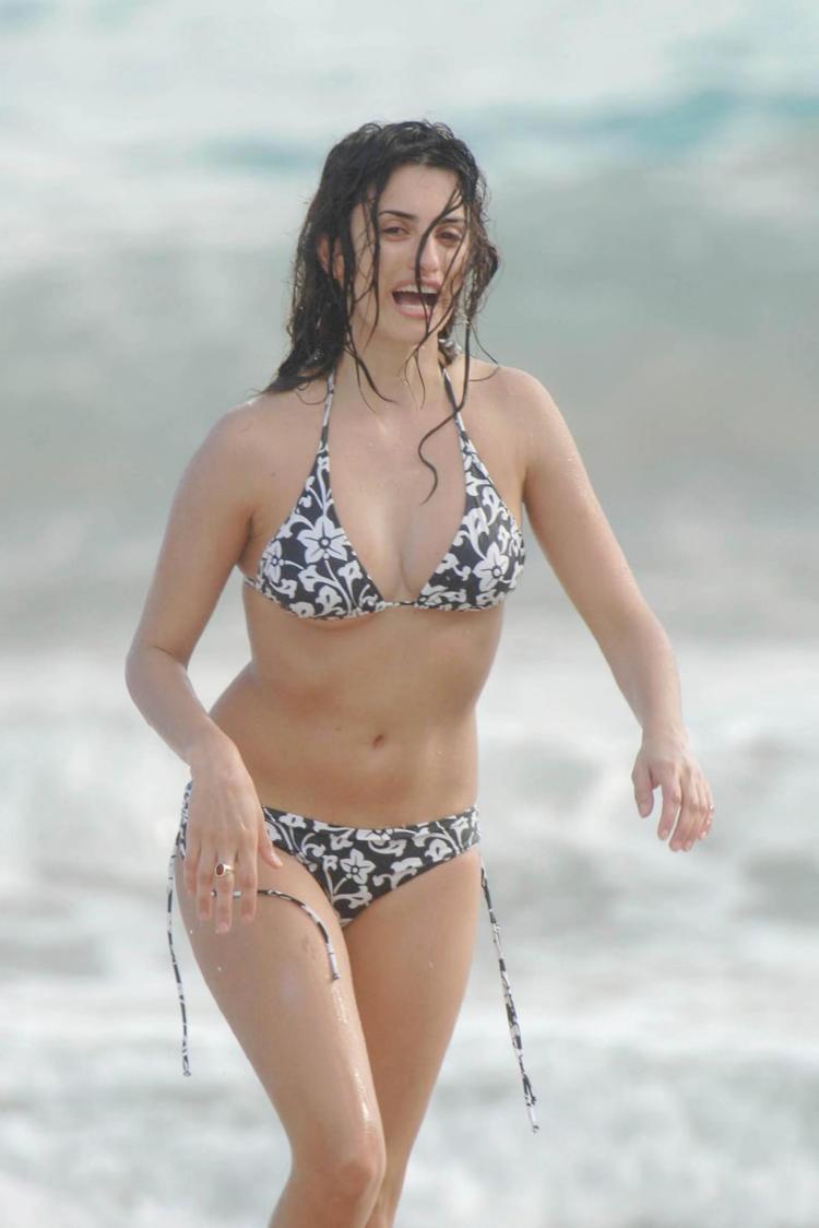 sexy naked penelope cruz pics