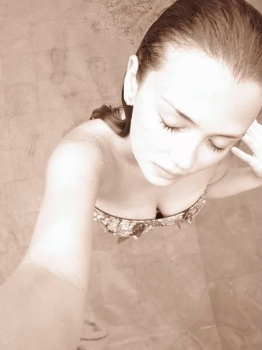 angelica panganiban boob cleavage pics