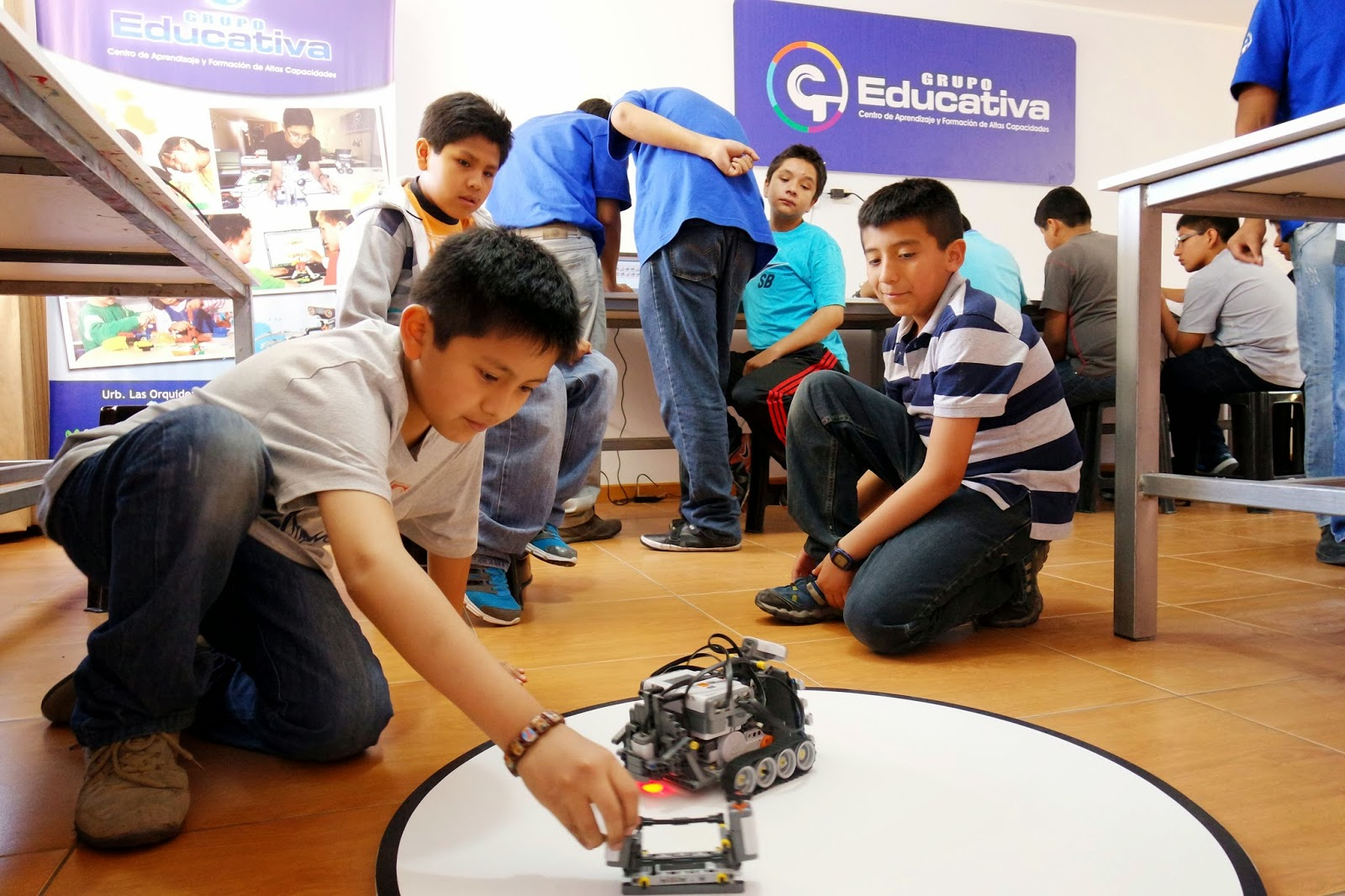 cursos-clases-talleres-ninos-robotica-matematicas-arequipa