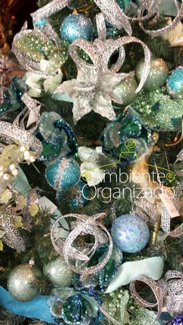 Árvore de Natal com decoração azul