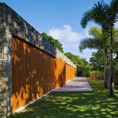 rumah tropis gaya etnik - majalah rumah