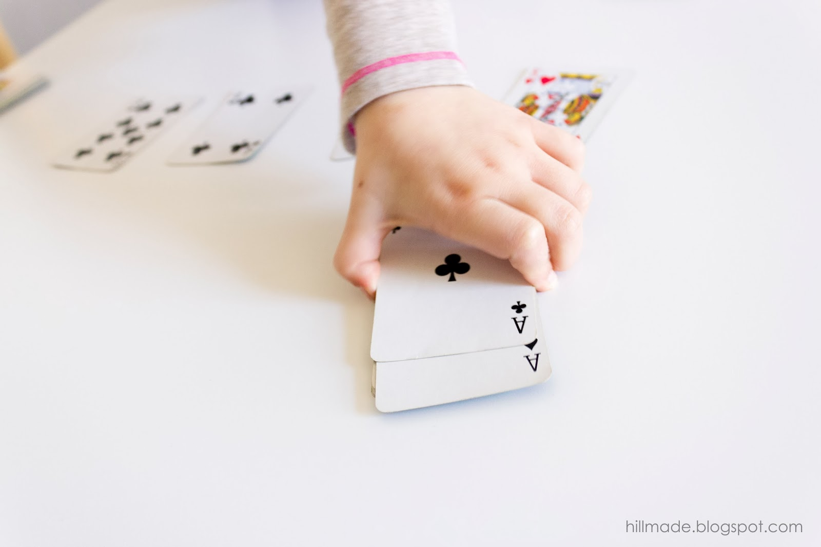 Steal the Pile | hillmade.blogspot.com | A fun and simple matching game for kids of all ages!