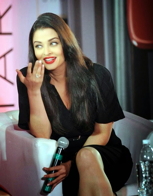 Aishwarya Rai at L Oreal Paris Pure Red Lipsticks Launches ...