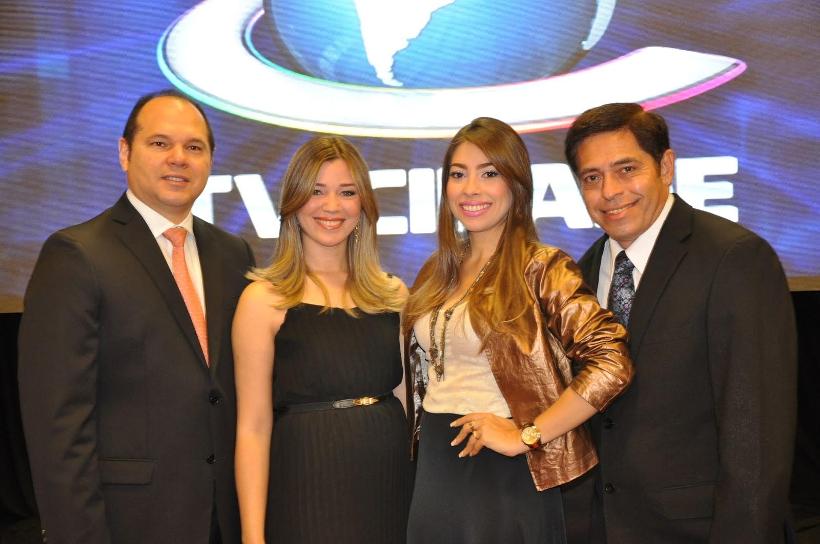 http://3.bp.blogspot.com/-qJTMWq8ZoJU/UAQGjZ-9fcI/AAAAAAAAOp0/8mIW0D4o7os/s1600/02+-+Freitas+J%C3%BAnior,+Ana+Cl%C3%A1udia+Andrade,+Nicole+de+Fran%C3%A7a+e+Alfredo+Marques.JPG