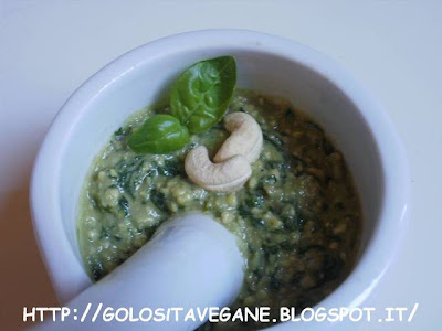 anacardi, basilico, Conserve, lievito alimentare in scaglie, mortaio, pesto delicato, Preparazioni di base, ricette vegan, scalogno,
