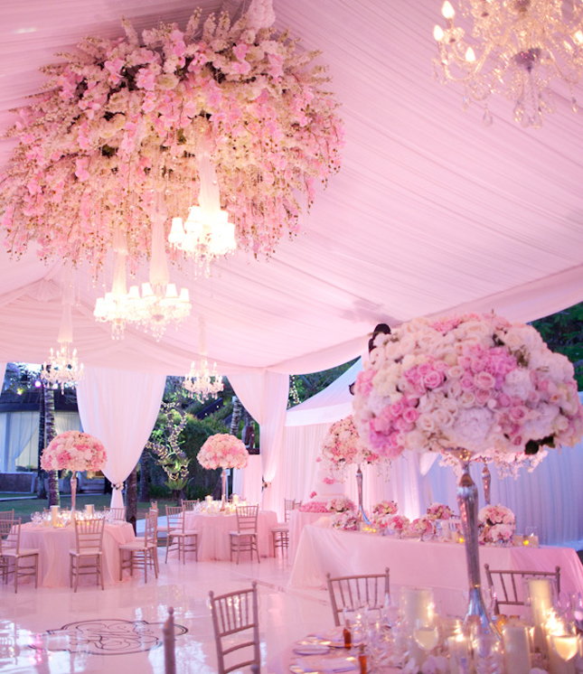 15 SwoonWorthy Tent Wedding Ideas
