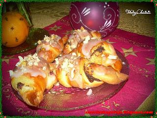http://smerfetkagotuje.blogspot.com/2013/12/rogaliki-z-makiem.html