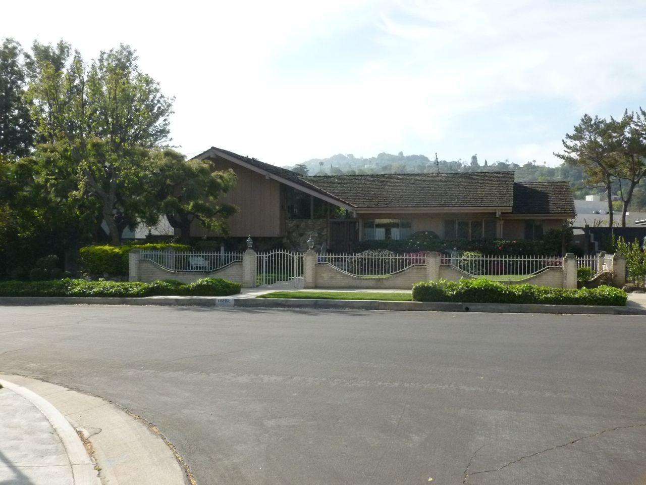 Brady Bunch House Bing Images