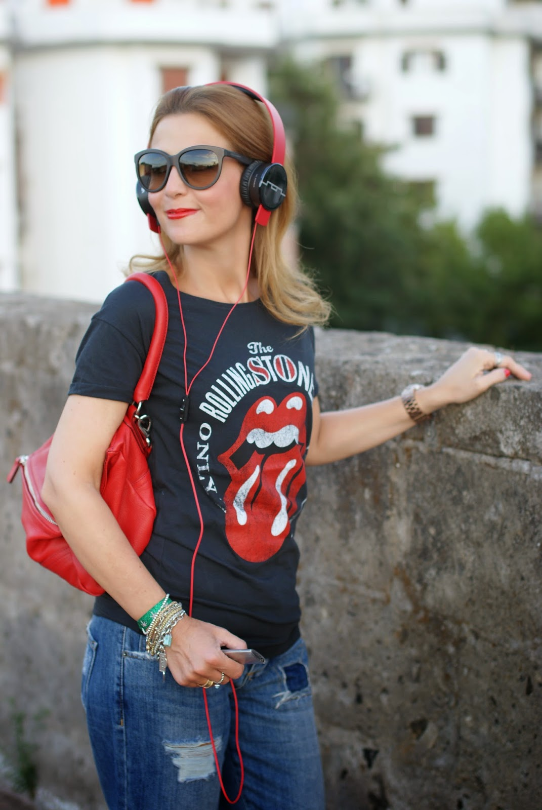 Rolling Stones mouth t-shirt, Sol Republic headphones, Fashion and Cookies, fashion blogger