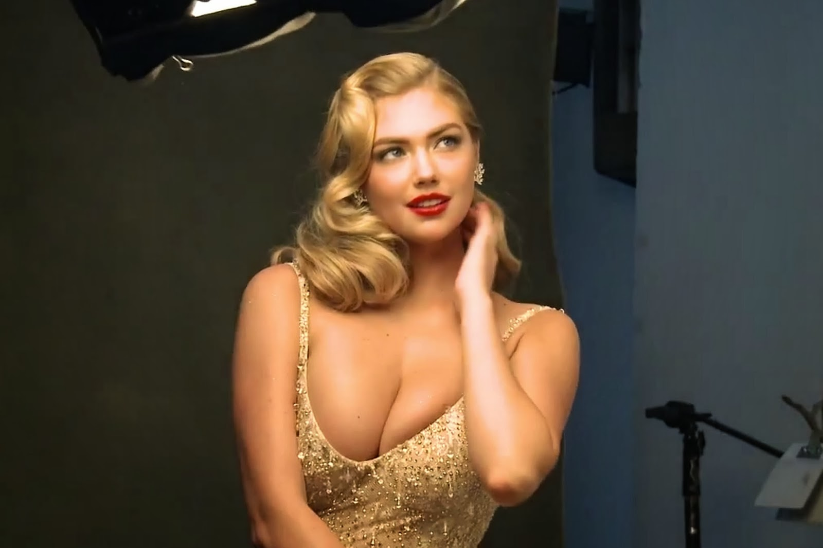Kate upton bouncing boobs 4